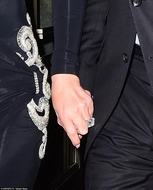 Mariah Carey khoe nhẫn đính hôn 165 tỷ đồng - 5