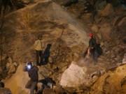 Tin tức trong ngày - Cả 8 nạn nhân vụ sập mỏ đá đã tử vong