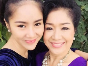 Đời sống Showbiz - Những cặp mẹ con 'xinh như mộng' khiến fan ngưỡng mộ