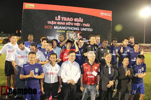 So tài bóng đá Việt – Thái lại có bàn thắng tranh cãi - 10