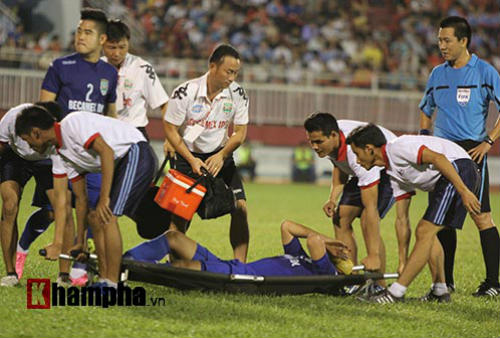 So tài bóng đá Việt – Thái lại có bàn thắng tranh cãi - 8