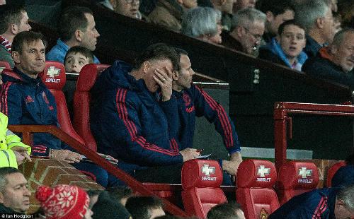 MU thua đau Southampton, Van Gaal nhận lỗi về mình - 1