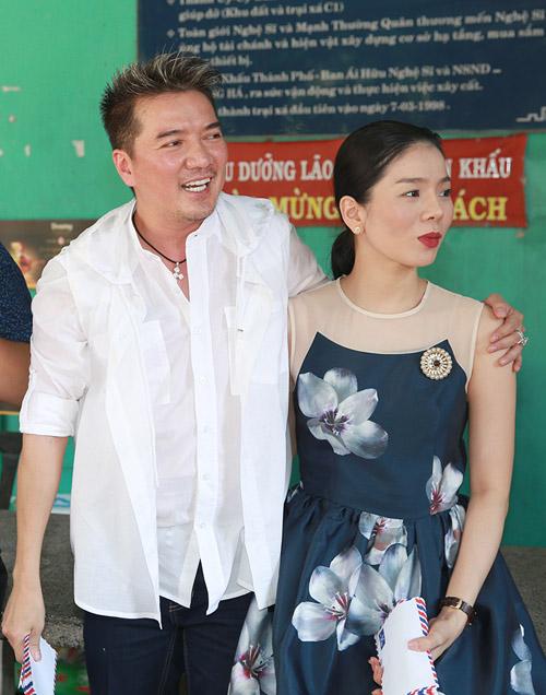 Mr Đàm, Lệ Quyên ủng hộ hơn 300 triệu cho nghệ sỹ nghèo - 1