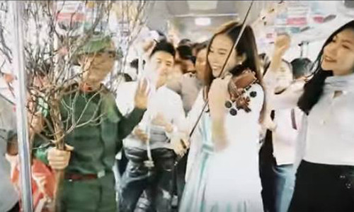 Clip: 'Đoản Xuân Ca' gọi Tết về qua tiếng đàn violin - 1