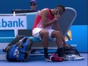 """Thể thao - """"Trai hư"""" tennis ngang nhiên nghe điện thoại lúc thi đấu"""
