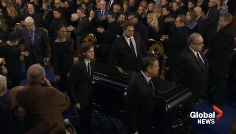 Hai khoảnh khắc rơi lệ trong tang lễ chồng Celine Dion - 5