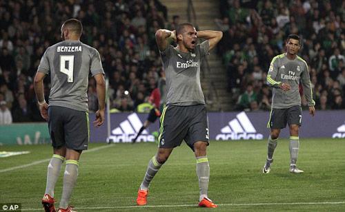 """""""Real thiếu may mắn, sẽ chiến đấu đến cùng ở La Liga"""" - 2"""