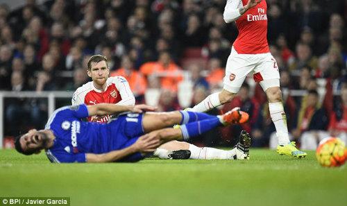 """Tiêu điểm Big 5 V23 NHA: Arsenal """"vứt"""" ngôi đầu bảng - 1"""