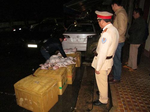 Thu giữ gần 400 kg thịt chó chưa qua kiểm dịch - 1