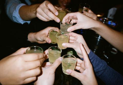 Quan niệm uống rượu sẽ ấm người là phản khoa học - 1