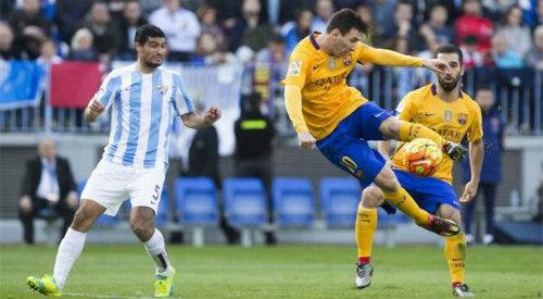 Tiêu điểm La Liga V21: Messi cười nụ, Ronaldo khóc thầm - 1