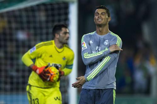 Tiêu điểm La Liga V21: Messi cười nụ, Ronaldo khóc thầm - 2