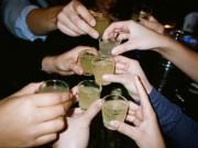 Sức khỏe đời sống - Quan niệm uống rượu sẽ ấm người là phản khoa học