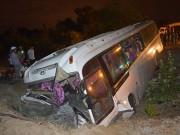 Tin tức trong ngày - 36 nhân viên Hồ Tràm Casino bị nạn trên chiếc xe lật nhào