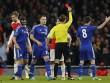Diego Costa bị nghi ăn vạ khiến Arsenal dính thẻ đỏ