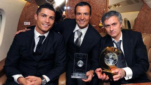 MU có thể đón Mourinho nhờ… không mua được Ronaldo - 1