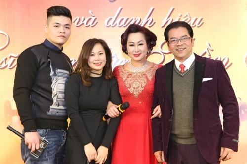 Diễn viên Trần Nhượng vui mừng vì được phong NSND - 4