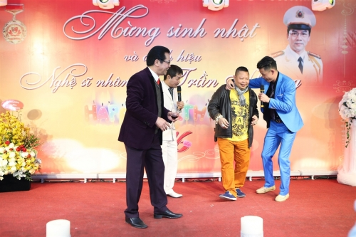 Diễn viên Trần Nhượng vui mừng vì được phong NSND - 6