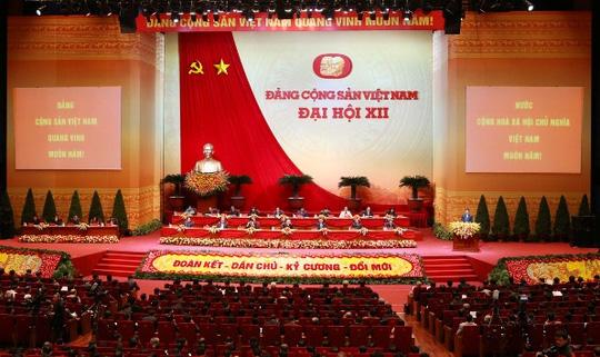 Tổng Bí thư bỏ lá phiếu đầu tiên bầu Trung ương khóa XII - 1