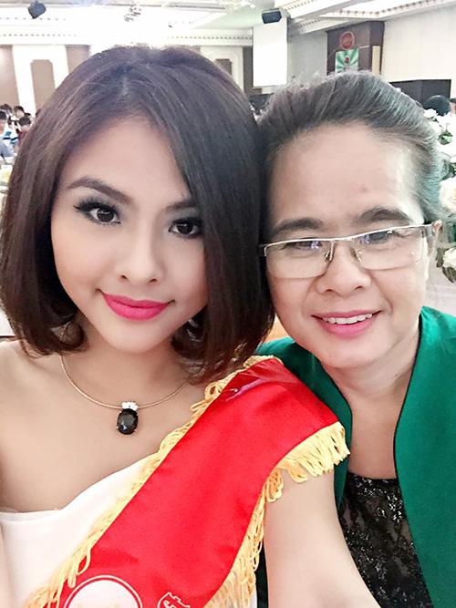 Facebook sao 26/1: Trấn Thành, Hoài Linh 'đóng bỉm' - 5