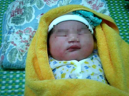 Quảng Nam: Thêm một bé sơ sinh nặng hơn 5 kg chào đời - 1