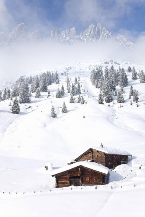 """Đẹp """"tê tái"""" những ngôi nhà ẩn mình trong tuyết trắng - 2"""