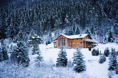 """Đẹp """"tê tái"""" những ngôi nhà ẩn mình trong tuyết trắng - 1"""