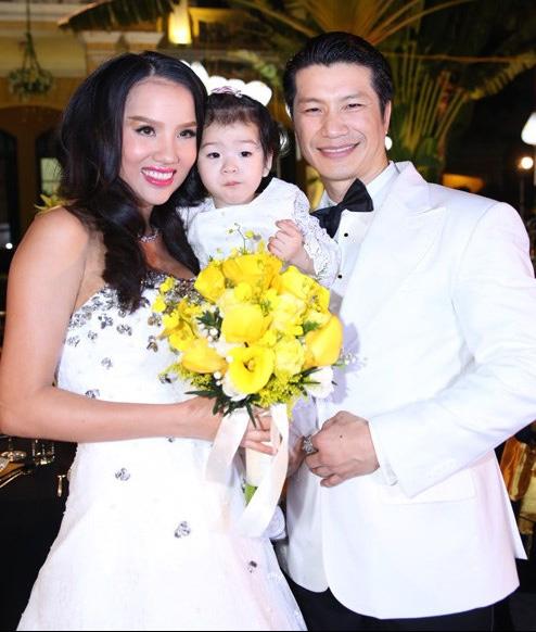 'Mốt' cho con xuất hiện trong đám cưới của sao Việt - 11