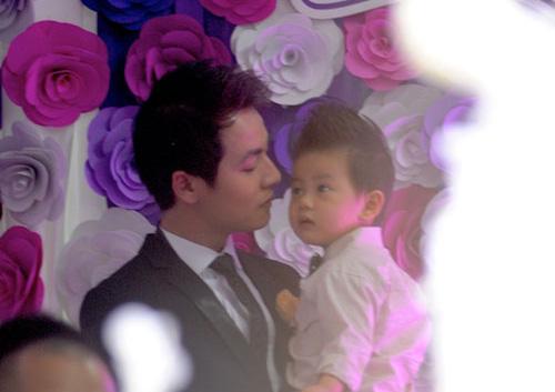 'Mốt' cho con xuất hiện trong đám cưới của sao Việt - 7
