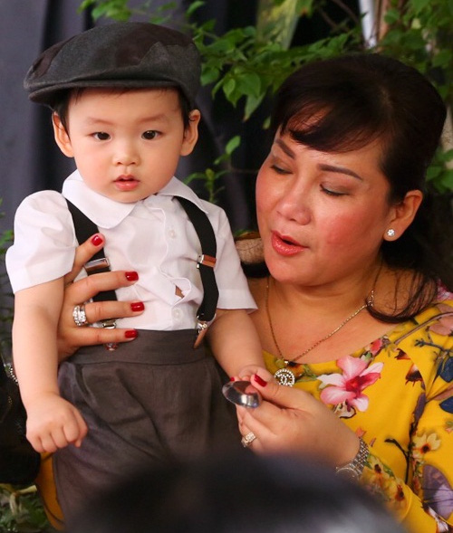 'Mốt' cho con xuất hiện trong đám cưới của sao Việt - 10