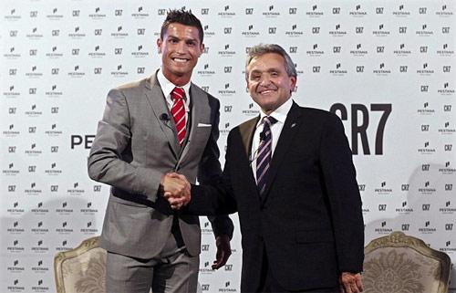 """Ronaldo trên đường thành """"Vua bất động sản"""" thế giới - 1"""