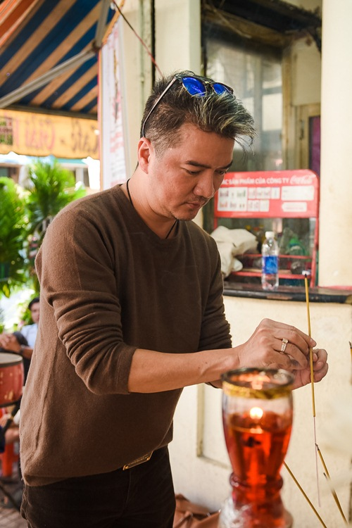 Sao Việt ngậm ngùi tiễn biệt bầu show nổi tiếng Sài Thành - 1