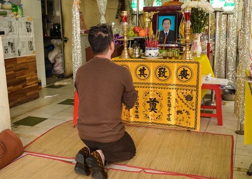 Sao Việt ngậm ngùi tiễn biệt bầu show nổi tiếng Sài Thành - 2