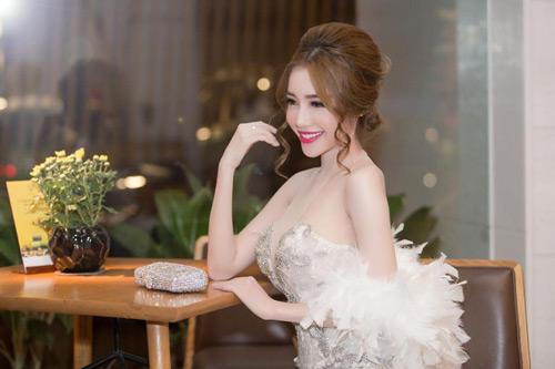 Elly Trần đẹp quyến rũ trên thảm đỏ - 10