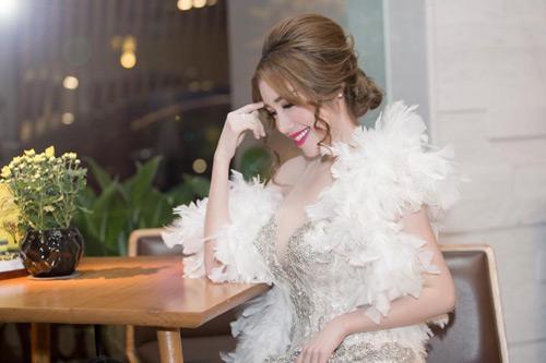 Elly Trần đẹp quyến rũ trên thảm đỏ - 8