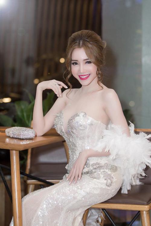 Elly Trần đẹp quyến rũ trên thảm đỏ - 6
