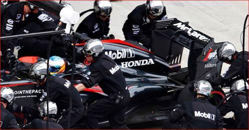 """F1: Tò mò đồn đoán """"chiến mã"""" của Ferrari, Mercedes - 2"""