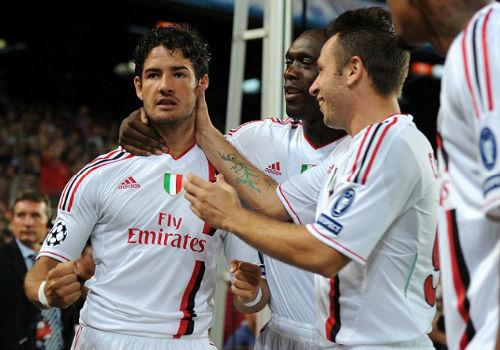 Chờ kí hợp đồng, Pato nghẹn ngào coi Chelsea là nhà - 3