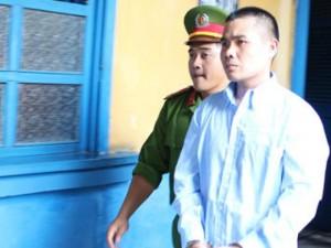 An ninh Xã hội - Lãnh 12 năm tù vì truy sát đối thủ lại đâm nhầm bạn mình