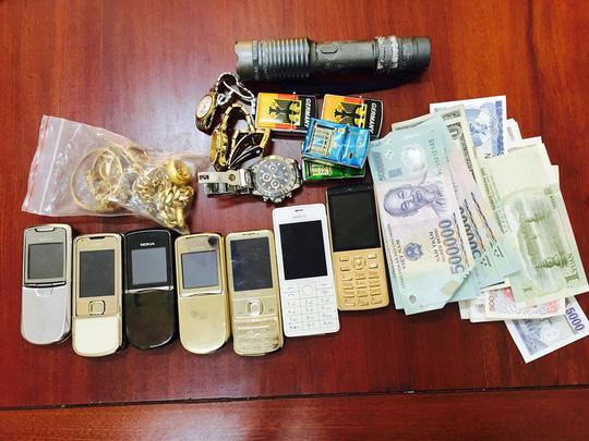 Đột nhập nhà bạn thân trộm hơn 500 triệu đồng - 2
