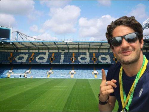 Chờ kí hợp đồng, Pato nghẹn ngào coi Chelsea là nhà - 2