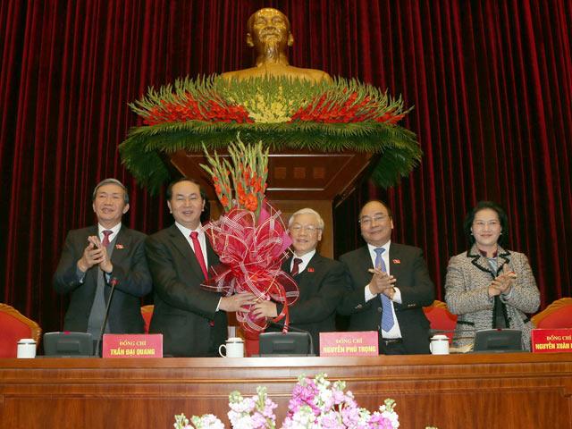 Công bố danh sách 22 ủy viên Bộ Chính trị, Ban Bí thư - 1