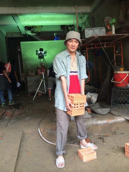 Hình ảnh sao Việt giản dị với dép tổ ong 'huyền thoại' - 5