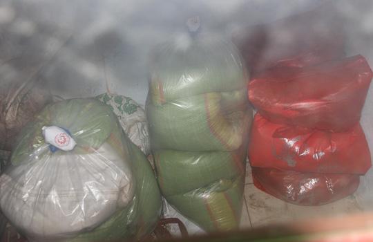 Truy tìm nguồn gốc gạo hỗ trợ gây ngộ độc ở Quảng Nam - 1