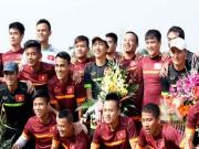 Bóng đá - Miura-VFF chia tay, cầu thủ Việt nghẹn ngào chào thầy