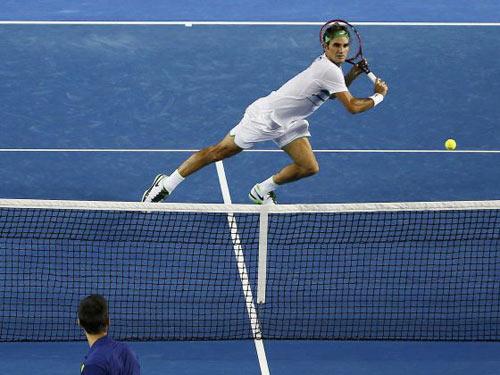 """Hot shot: Federer """"tả xung hữu đột"""" hạ Djokovic - 1"""
