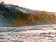 """VĐV bị cơn sóng thần """"nuốt chửng"""""""