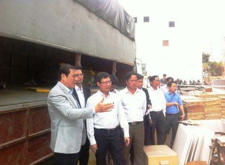 Vụ rơi thang máy: Chủ tịch UBND TP Đà Nẵng trực tiếp đến hiện trường - 2