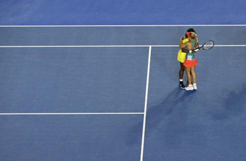 """Thua sốc, Serena """"ngả mũ"""" đón """"nữ hoàng"""" Kerber - 1"""