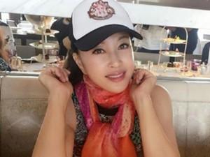 U60 Lưu Hiểu Khánh trẻ đẹp như thiếu nữ